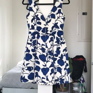 Topshop Dresses - Scuba fabric floral printed dress with cutout